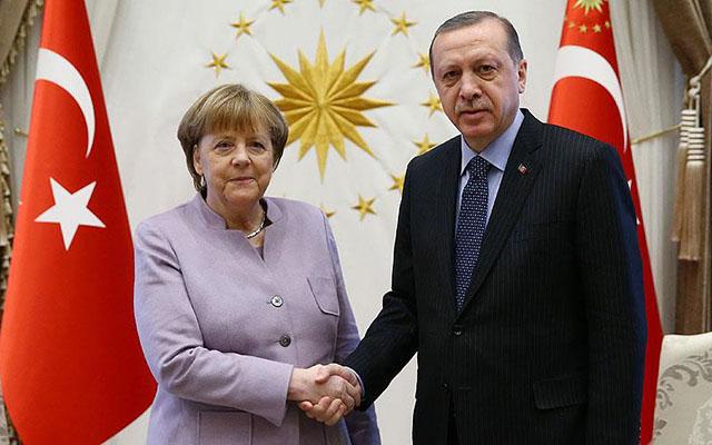 Ərdoğan Merkellə telefonla danışdı