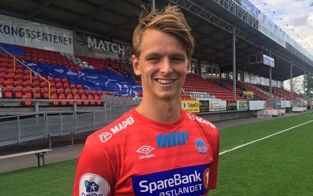 20 yaşlı futbolçu vəfat etdi