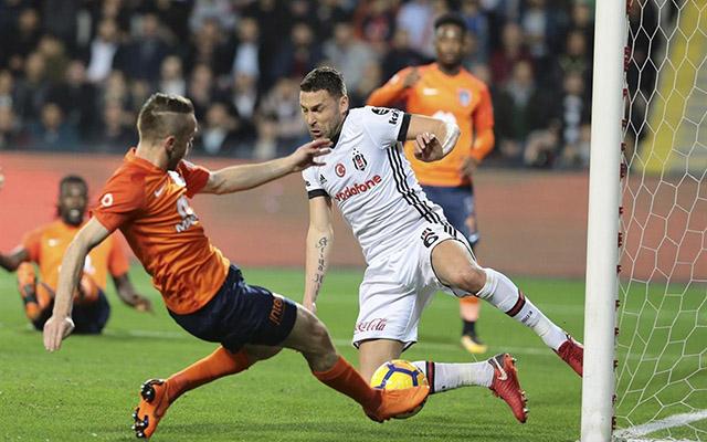 """""""Başakşehir""""–""""Beşiktaş"""" oyununda 1 qol, 1 qırmızı"""