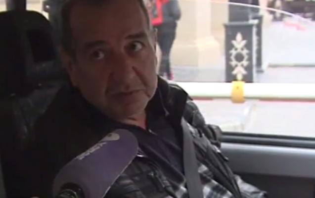 Taksi sürücüləri ərəb turistlərlə hansı dildə danışır?