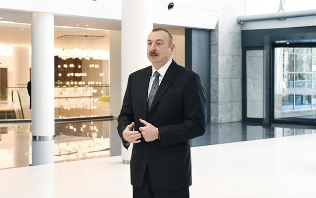 İlham Əliyev Bakı Kitab Mərkəzinin açılışında