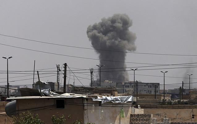 Suriyada aviabazaya raket hücumu - 14 hərbçi ölüb