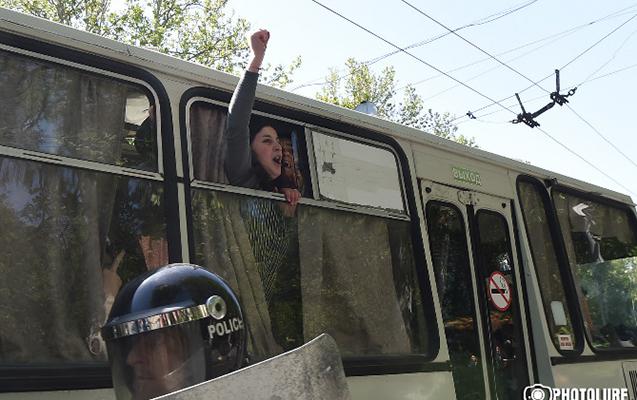Ermənistanda 66 aksiya iştirakçısı saxlanılıb