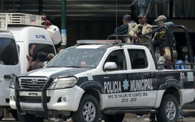 Narkotik ticarətçiləri ilə polislər arasında atışma