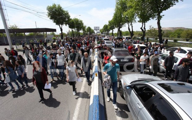 Ermənistanda saxlanılan etirazçı sayı 100 oldu