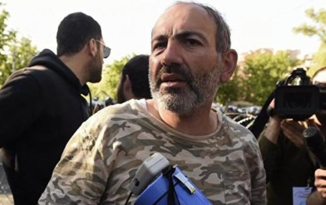 Müxalifət lideri Sarkisyanla görüşdən sonra saxlanıldı
