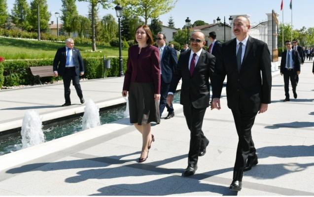 Prezident Ankaradakı Heydər Əliyev Parkında
