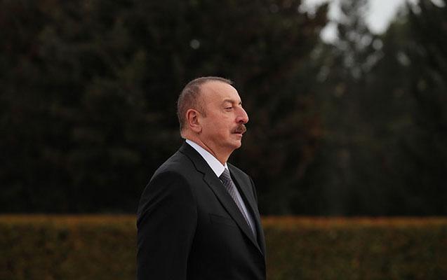 İlham Əliyev Atatürkün məzarını ziyarət edib