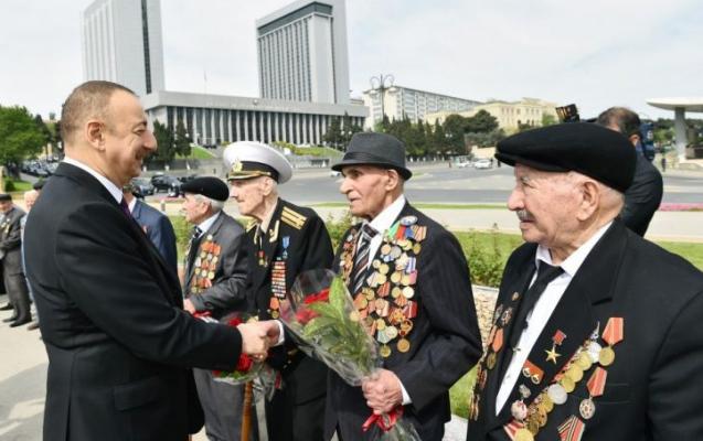 Prezident müharibə veteranları ilə görüşdü