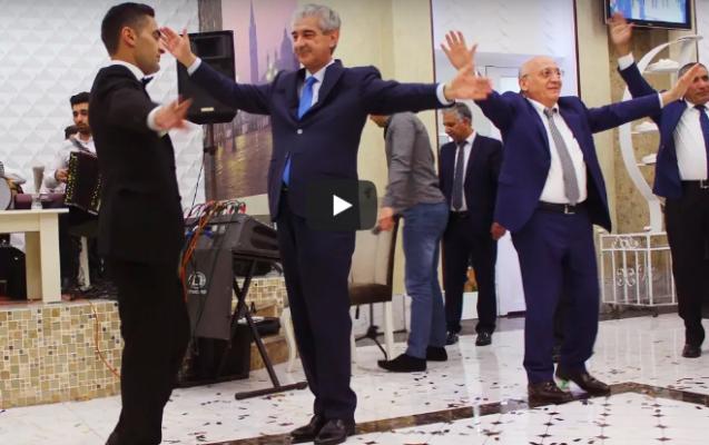 YAP rəsmilərinin toyda maraqlı rəqsi - Video