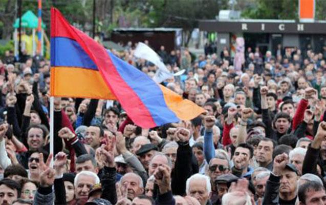Yerevanda aksiyalar böyüyür