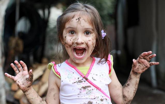 """""""Uşaqları təmiz saxlamaq faydalı deyil, zərərlidir"""""""