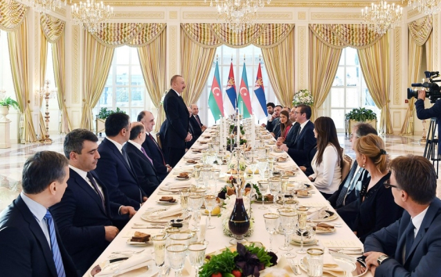 Serbiya prezidentinin şərəfinə rəsmi ziyafət verilib