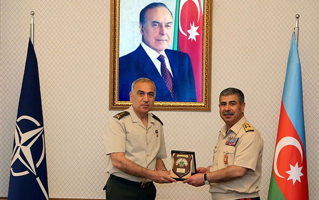 Zakir Həsənov NATO generalları ilə görüşüb