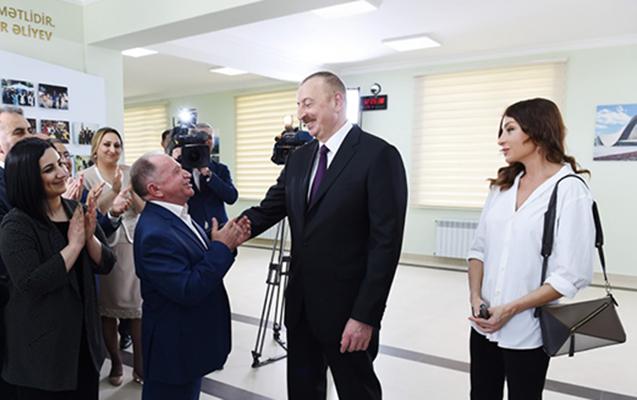 """Prezident """"Qobu Park"""" yaşayış kompleksinin açılışında"""
