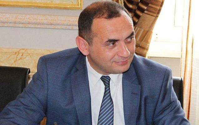 Prezidentin vəzifə verdiyi yeni rektor kimdir?