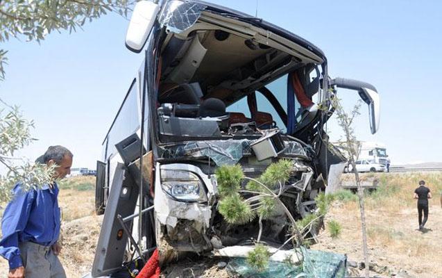 Bakı-Qazax yolundakı qəzada 30 nəfər yaralandı