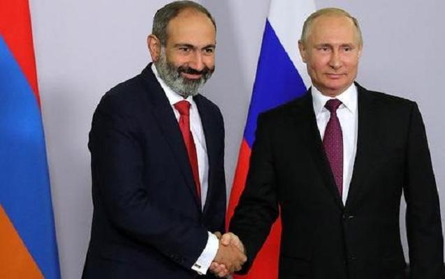 Putinlə Paşinyan telefonda danışıblar