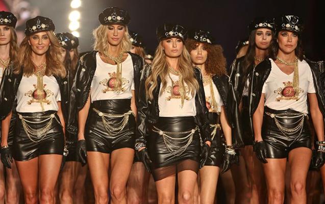 Paris Hiltonla azərbaycanlı model eyni podiumda