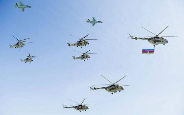 Bakı səmasında yenidən helikopterlər