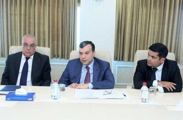 Nazir xarici ölkələrin ombudsmanları ilə bir arada