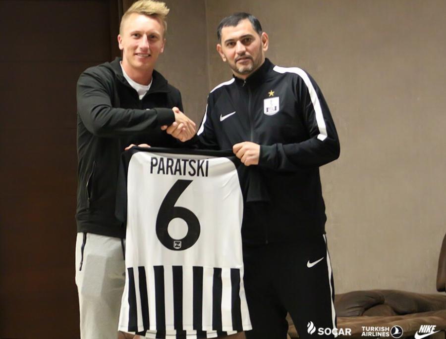 Xorvatiyalı futbolçu rəsmən