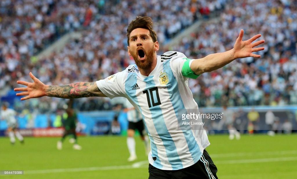 """Messi """"ən yaxşı"""" oldu"""