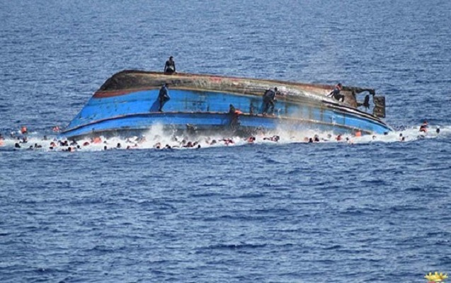 Miqrantları daşıyan gəmi batdı - Göyərtəsində 100 nəfər olub