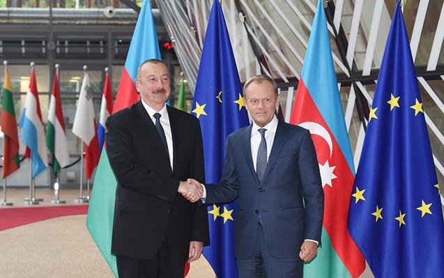 Prezident Brüsseldə Donald Tusk ilə görüşüb