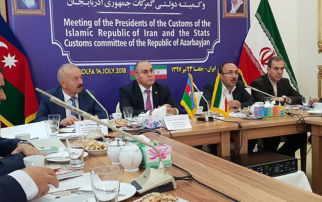 Səfər Mehdiyev İranın gömrük prezidenti ilə görüşdü