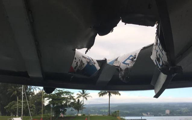 Vulkan püskürdü, 23 turist yaralandı