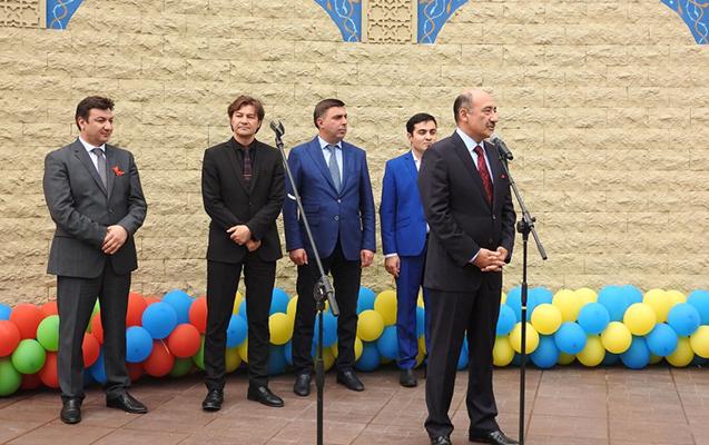 Kiyevdə Maqomayev adına parkın açılışı oldu