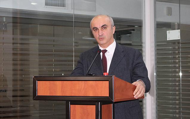 Azərbaycan Universitetinin professoru Rusiya mətbuatında