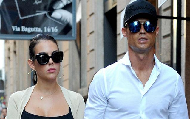 Ronaldo ilə sevgilisi Milanda alış-verişdə