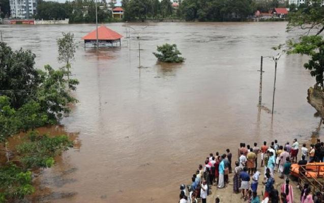 Keralada vəziyyət kritik həddə çatıb