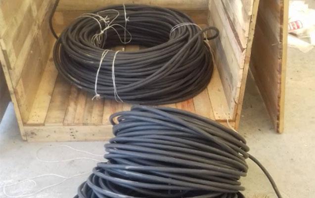 Elektrik kabellərini gömrükdən qanunsuz keçirmək istədilər