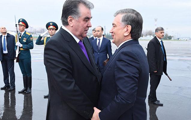 Emomali Rahmon Özbəkistanda səfərdə