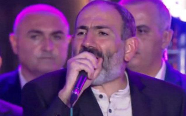 """""""Deyirlər, torpaqları satmaq üçün hakimiyyətə gəlmişəm"""""""
