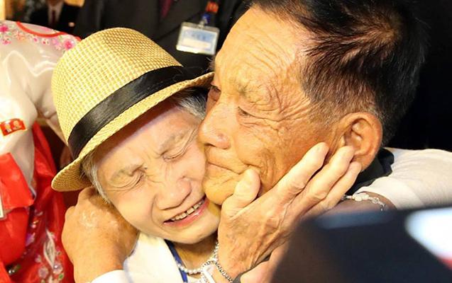 65 ildən sonra oğluyla görüşdü