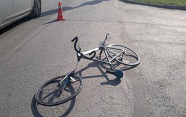Şəmkirdə yeniyetmə velosipeddən yıxıldı, durumu ağırdır