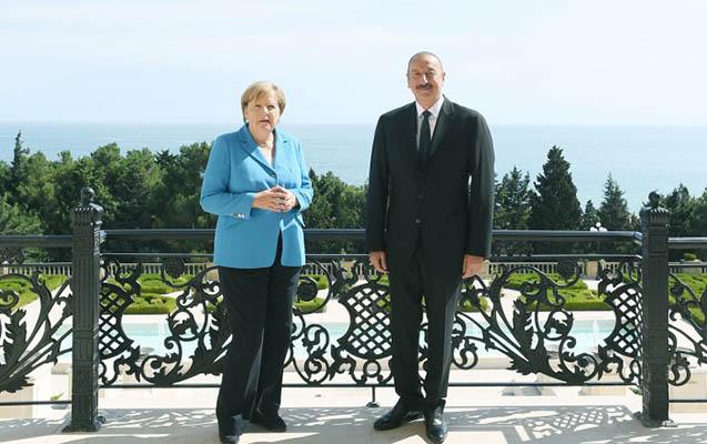 Merkel Bakıda - Əliyevlə görüşdü+Fotolar