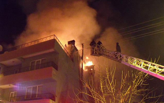 Sumqayıtda binada yanğın - 10 nəfər təxliyə olundu