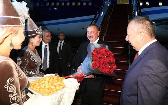 Prezident Qırğızıstanda - Fotolar