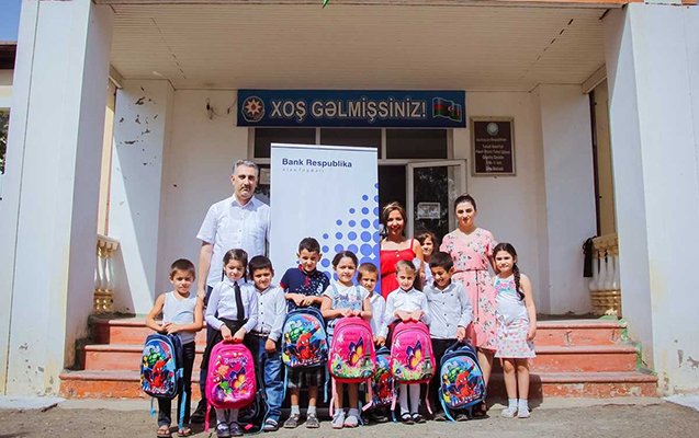 Bank Respublika Cocuq Mərcanlıda uşaqları sevindirdi - Fotolar