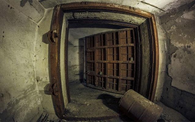 Ermənilər Şuşada yeraltı sığınacaq tikir