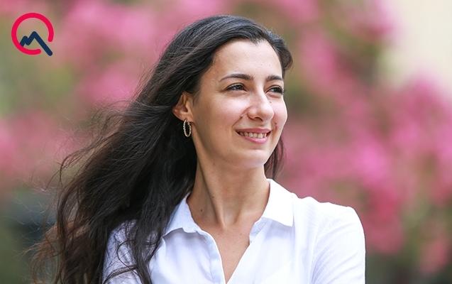 18 yaşında bufet puluyla biznes quran Zərəngiz