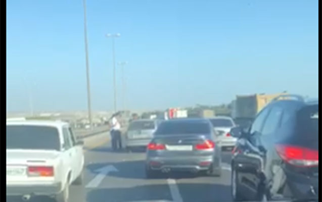 Aeroport yolunda qəza tıxaca səbəb oldu