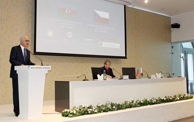 Bakıda 130-a yaxın iş adamının iştirakı ilə biznes forum keçirildi