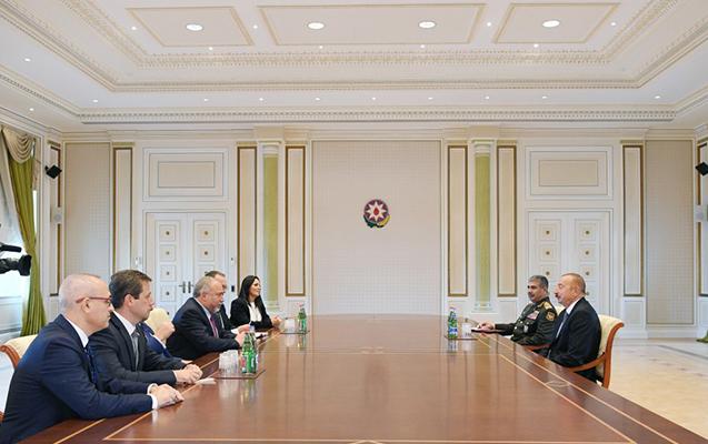 İlham Əliyev İsrailin müdafiə naziri ilə görüşüb
