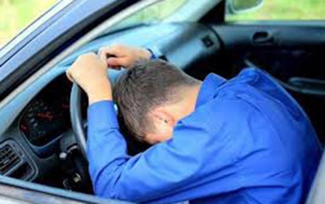 Bakıda sürücü sükan arxasında öldü, avtomobillər toqquşdu